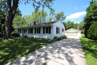Single Family Home For Sale: 17300 W Elmwood Rd