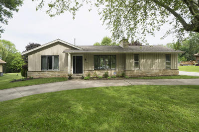 Brookfield Single Family Home Active Contingent With Offer: 3380 N 129th St