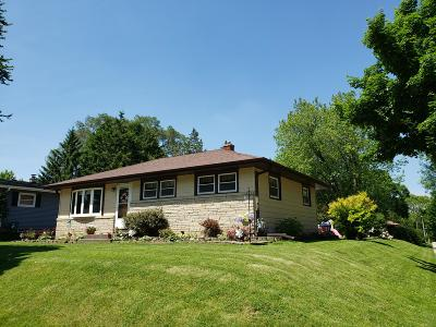 West Allis Single Family Home Active Contingent With Offer: 2859 S 94th St