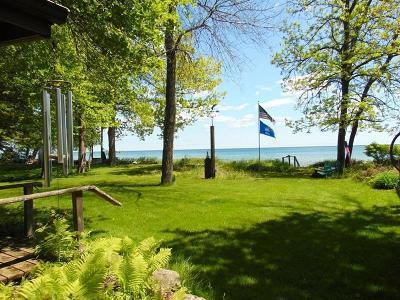 Cedar Grove Single Family Home For Sale: 7104 Sauk Trail Beach Rd