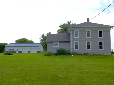 Sharon Single Family Home Active Contingent With Offer: N1369 County Road Tk C