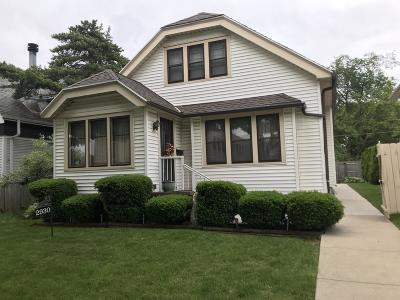 Milwaukee WI Single Family Home For Sale: $149,500