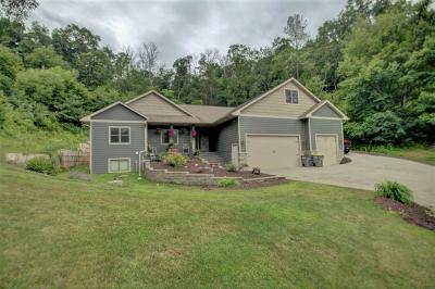 Onalaska Single Family Home For Sale: N5955 Apple Blossom Trl
