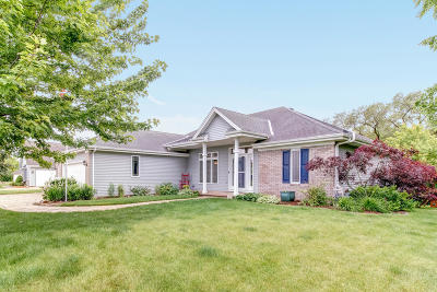 New Berlin Single Family Home Active Contingent With Offer: 13535 W Sunbury Rd