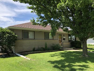 West Allis Single Family Home Active Contingent With Offer: 9219 W Schlinger Ave