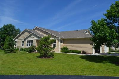 Muskego Condo/Townhouse Active Contingent With Offer: W153s7131 Rosewood Dr #32A