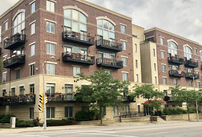 Milwaukee County Condo/Townhouse Active Contingent With Offer: 1515 N Van Buren St #206