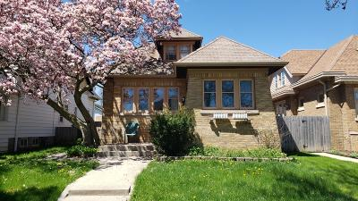 Milwaukee WI Single Family Home For Sale: $94,900