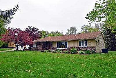 Pleasant Prairie Single Family Home For Sale: 5327 Springbrook Rd