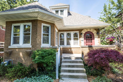 Milwaukee Single Family Home Active Contingent With Offer: 3343 N Dousman St
