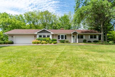 Mequon Single Family Home For Sale: 1632 W Clover Ln