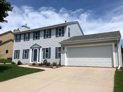 Port Washington Single Family Home Active Contingent With Offer: 1442 Apple Ct