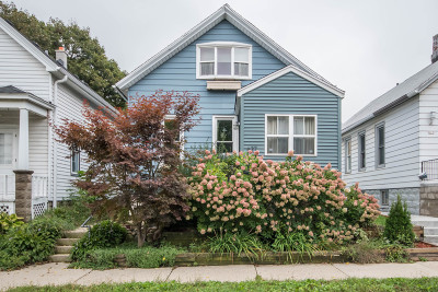 Milwaukee Single Family Home Active Contingent With Offer: 627 E Potter Ave