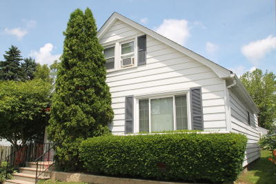 South Milwaukee Single Family Home Active Contingent With Offer: 616 Menomonee Ave