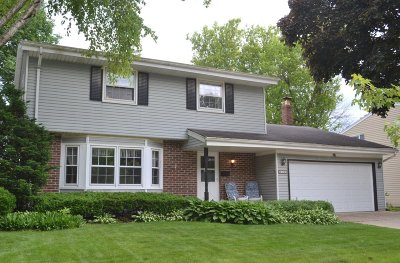 Waukesha Single Family Home Active Contingent With Offer: 2155 Empire Dr