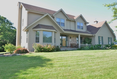 Menomonee Falls Single Family Home Active Contingent With Offer: W143n6880 Aspen Dr