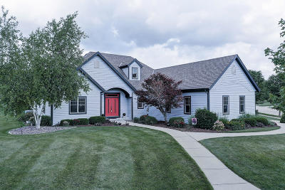Cedarburg Single Family Home For Sale: W51n615 Cedar Reserve Cir