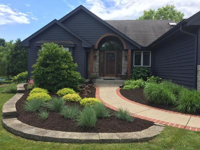 Pewaukee Single Family Home For Sale: N22w26727 Shooting Star Rd