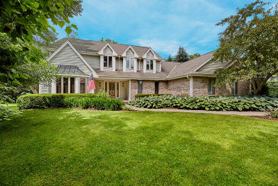 Pewaukee Single Family Home Active Contingent With Offer: W232n3211 Greenbriar Rd