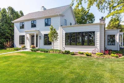 Sheboygan Single Family Home For Sale: 15 North Point Dr