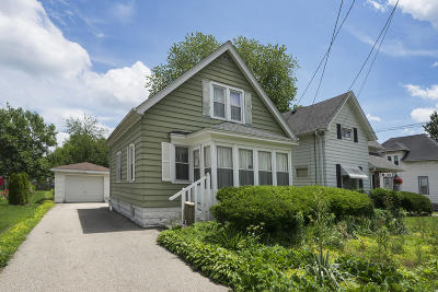Waukesha Single Family Home Active Contingent With Offer: 1531 White Rock Ave