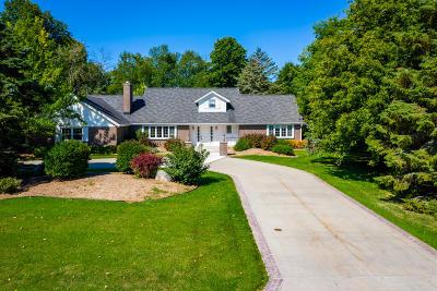 Port Washington Single Family Home For Sale: 801 Hales Trl