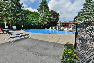 Greenfield Condo/Townhouse Active Contingent With Offer: 5175 S Root River Pkwy #1