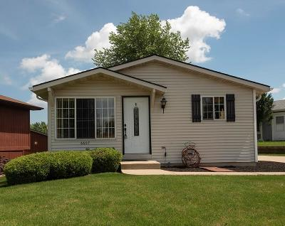 Pleasant Prairie Single Family Home Active Contingent With Offer: 6607 126th St