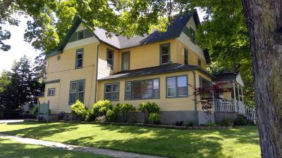 Lake Geneva Single Family Home For Sale: 403 S Lake Shore Dr