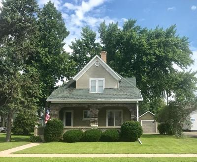 Fort Atkinson WI Single Family Home For Sale: $179,900