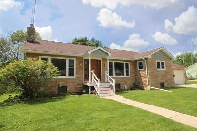 Single Family Home For Sale: 1218 Tomike St