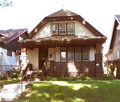 Milwaukee WI Single Family Home For Sale: $60,000