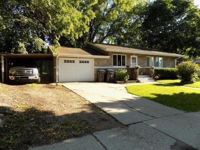 Waukesha Single Family Home Active Contingent With Offer: 1959 Garland Ave