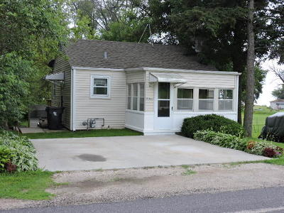 Fort Atkinson WI Single Family Home For Sale: $130,000