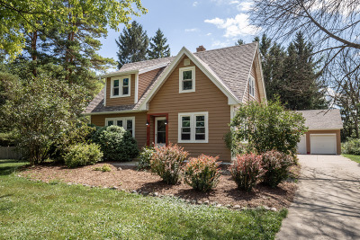 Mequon Single Family Home For Sale: 8727 W Mequon Rd