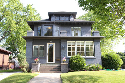 Sheboygan Single Family Home Active Contingent With Offer: 306 Huron Ave
