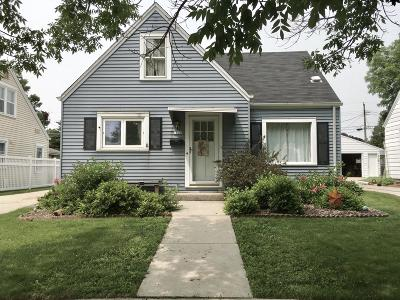 Sheboygan Single Family Home Active Contingent With Offer: 1820 N 21st St