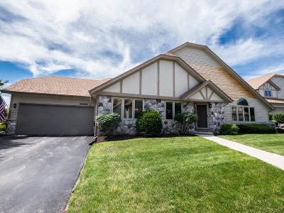 Pewaukee Condo/Townhouse For Sale: N34w23828 Grace Ave #D