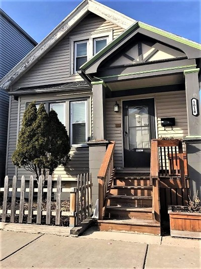 Milwaukee Single Family Home For Sale: 1018 W Greenfield Ave
