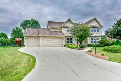 Single Family Home For Sale: N73w15930 Alpine Ln