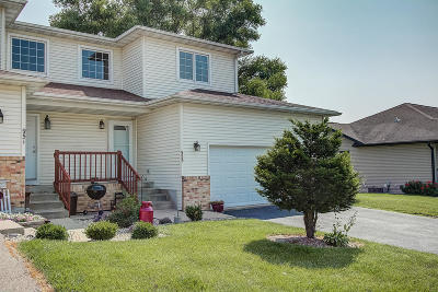 Lake Mills Single Family Home Active Contingent With Offer: 953 Reed St