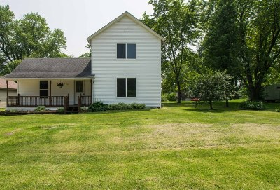 Darien Single Family Home For Sale: 215 W Madison St