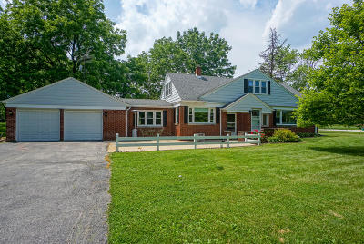 Brookfield Single Family Home Active Contingent With Offer: 4545 Pilgrim Rd