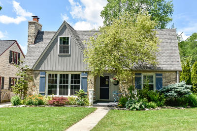 Wauwatosa Single Family Home Active Contingent With Offer: 2537 N 81st St