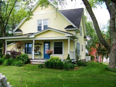 Cedar Grove Single Family Home For Sale: W2770 County Road D