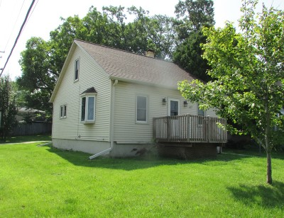 Madison Single Family Home Active Contingent With Offer: 617 Rethke Ave
