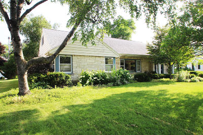 Milwaukee County Single Family Home For Sale: 7227 Wellauer Dr