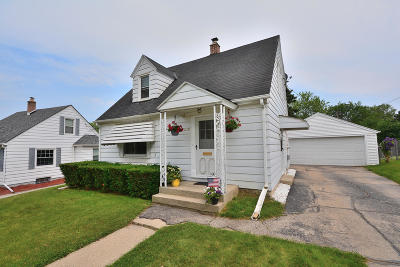 West Allis Single Family Home Active Contingent With Offer: 2858 S Conger Pl