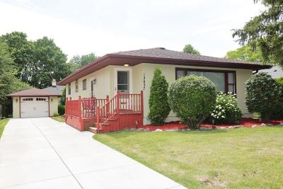 West Allis Single Family Home Active Contingent With Offer: 12037 W Rainbow Ave