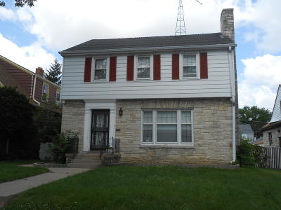 Milwaukee Single Family Home For Sale: 3915 N 52nd St